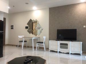 Bán Vinhomes Landmark 81, 2PN, lầu 18, tặng kèm nội thất mới 100%, có HĐ thuê 2000USD/tháng