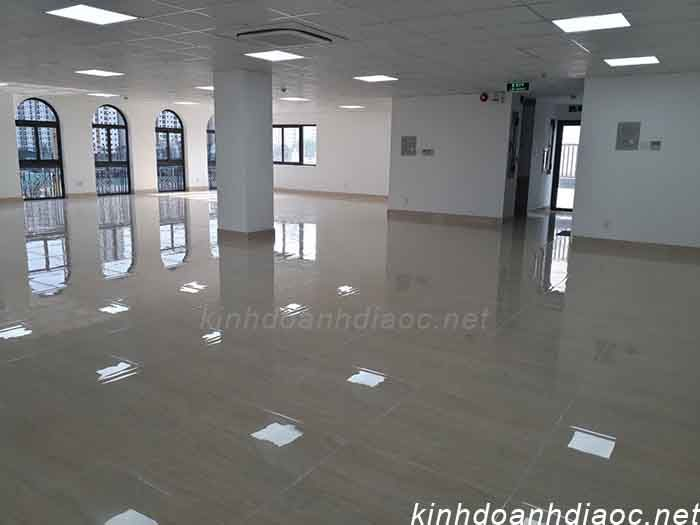 office buiding for rent district 2