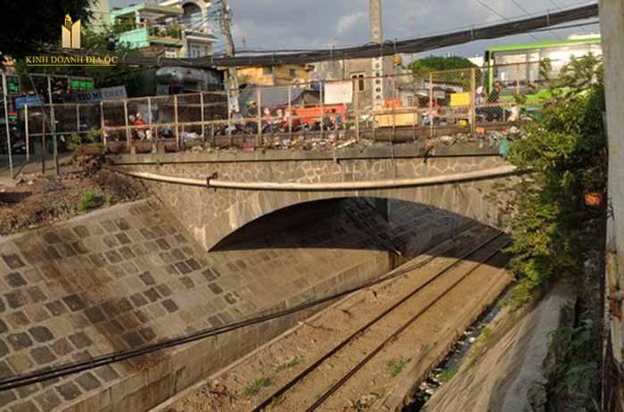xây cầu hang ngoài gò vấp