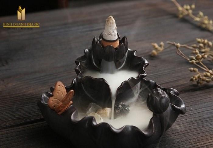 Đốt trầm hương xông nhà